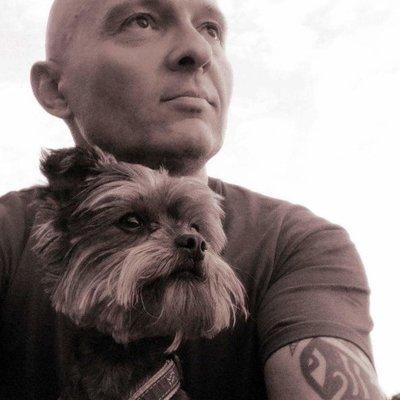 Profilbild von Laszlo