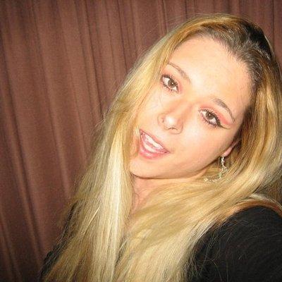 Blondesgift28