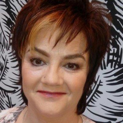 Profilbild von Charlize11