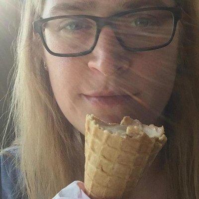 Profilbild von Madamemona