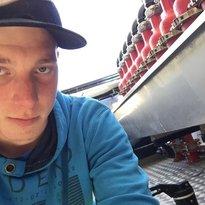 Profilbild von xlukasx
